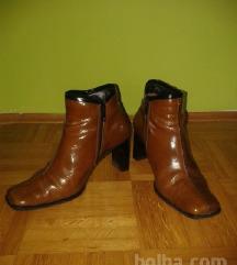 Vintage lakasti čevlji