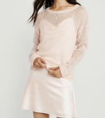 Roza pulover NOV