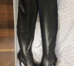 Novi guess škornji čez koleno