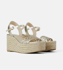 Pleteni sandali s polno peto