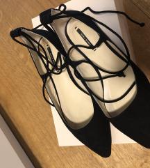 Črni čevlji Zara