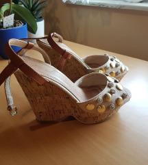 Ženski sandali z visoko peto
