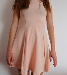 Nežno roza oblekica