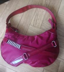 Rdeča elegantna majhna torbica