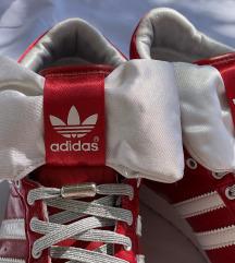 Adidas z mašnjico