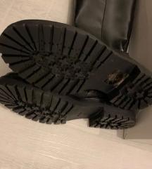 Novi usnjeni GEOX škornji 40