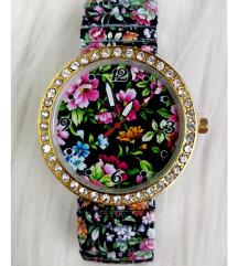Nova modna cvetlična ura
