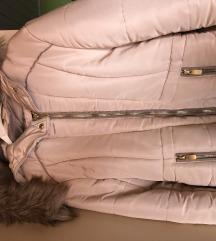 Žesnka zimska jakna