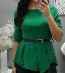 Zelena srajčka s paskom