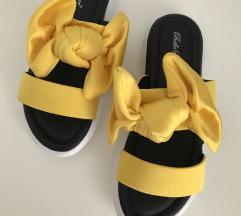 rumeni natikači / sandali s mašno