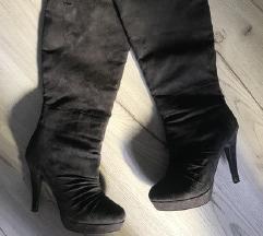 novi škornji do kolen