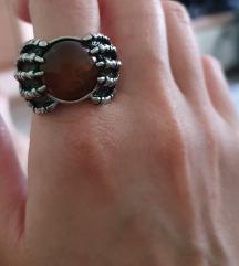 Čudovit prstan