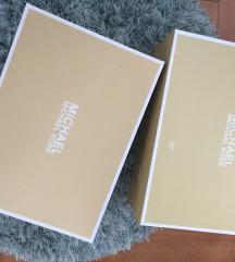 Michael kors in kendall + kylie škatle