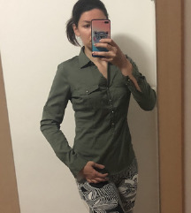 Olivno zelena srajčka