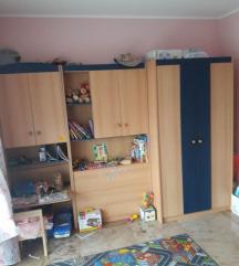 otroška soba, postelja, omare....
