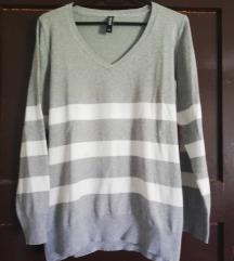 Siv pulover z belimi crtami