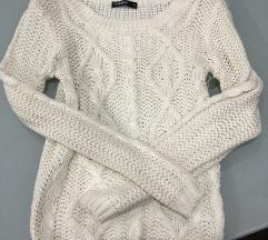 Bel pleten pulover