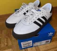 Nove original Adidas superge 40 2/3, mpc 100€