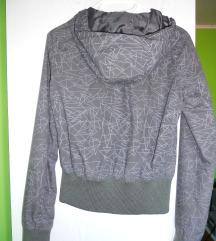 Prehodna siva jakna s kapuco - AKCIJA 6€!!!!