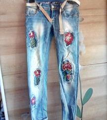 Jeans hlače nove z etiketo