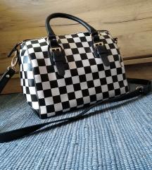 Črno-bela torbica