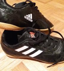 Novi dvoranski čevlji Adidas št. 38