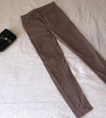 Svetlo roza hlače