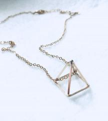 Verižica s 3D piramido, nova (s poštnino)