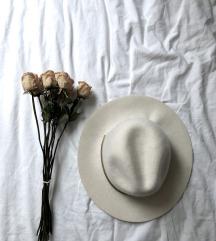 Bel klobuk