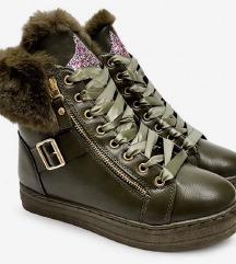 Topli zimski čevlji št.40
