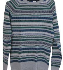 Pulover z barvnimi črtami