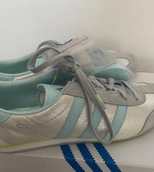 Nove Adidas superge
