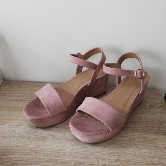 Roza sandali