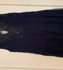 Poletna lahka elegantna obleka s čipko na izrezu