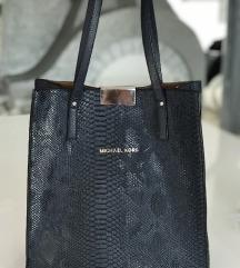 Temno modra torbica