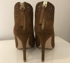 ZARA čevlji s peto