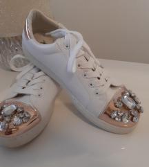 Čevlji s kristali SAMO 9 EUR