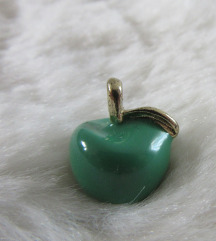 Obesek za verižico jabolko