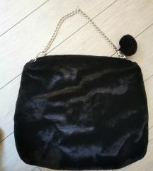 Črna torba iz pliša