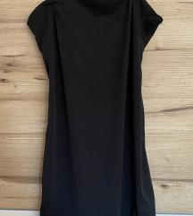 Obleka z izrezo