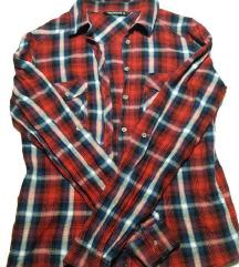karirasta srajčka