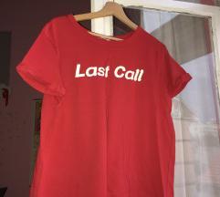Rdeca majica z napisom