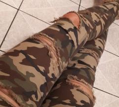 Vojške kavbojke strgani jeans