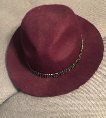 Pimkie klobuk
