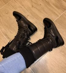 Fornarina škornji