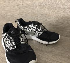 Športni čevlji Nike