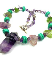 Kristalna ogrlica (s poštnino)