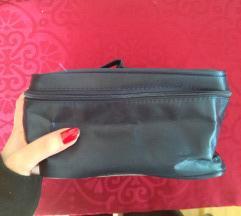 modra toaletna torbica z ogledalom Nivea