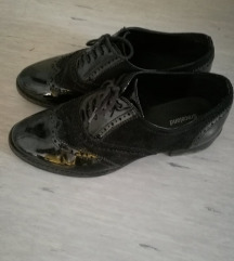 Lakasti oxford čevlji