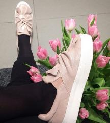 Usnjeni slip-on čevlji